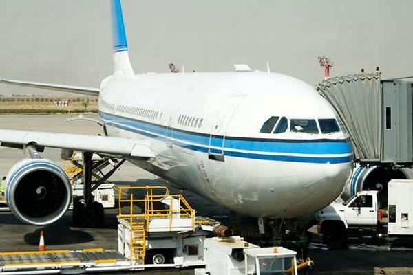 कुवैत में अभी अभी आने पर लगा रोक, पास्पोर्ट और सारे काग़ज़ होने के बाद भी लौटाए जा रहे कामगार