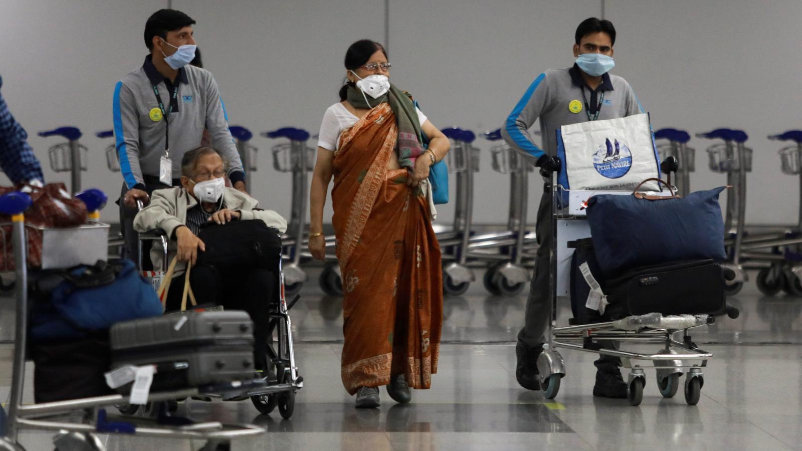 दुबई से लौटे कामगार, भारत में बन गये कोरोना फैलने की वजह, एकाएक बढ़ गया हैं संख्या
