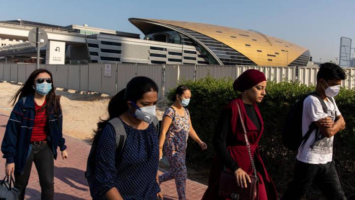 दुबई, आबूधाबी UAE, देर रात 2 कामगार के साथ 1 दर्जन से ज़्यादा मौत, 24 घंटे में 331 लोग अस्पताल में